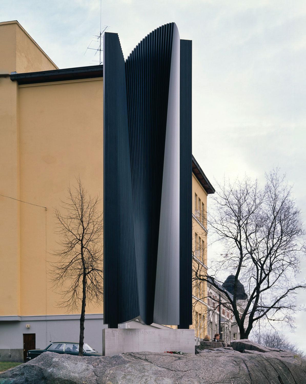 Arvo Turtiaisen muistomerkki, Helsinki