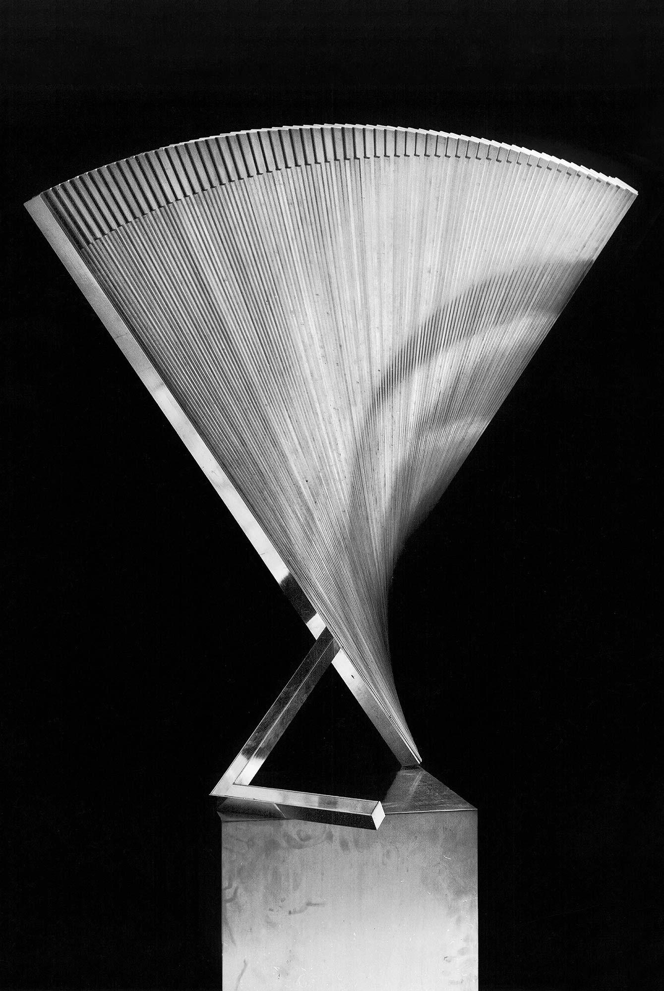 teokset-like-a-fan-anodised-aluminium-1979